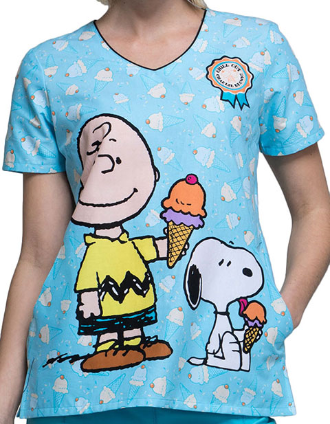 Tooniforms Women's Chill Charlie Brown Printed V-neck Top