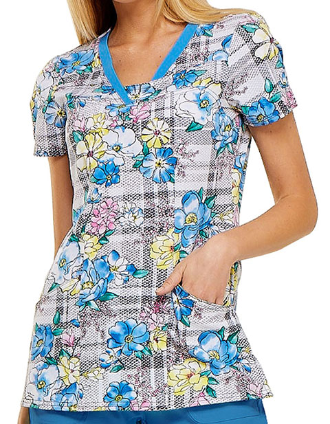 HeartSoul Womens Plaid About Me Babe Printed Scrub Top